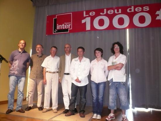 les candidats et le presentateur jeu des mille euros le 07 mai 2009